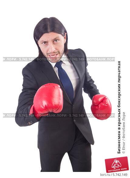 В красных перчатках фото