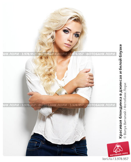 foto-blondinka-v-belom