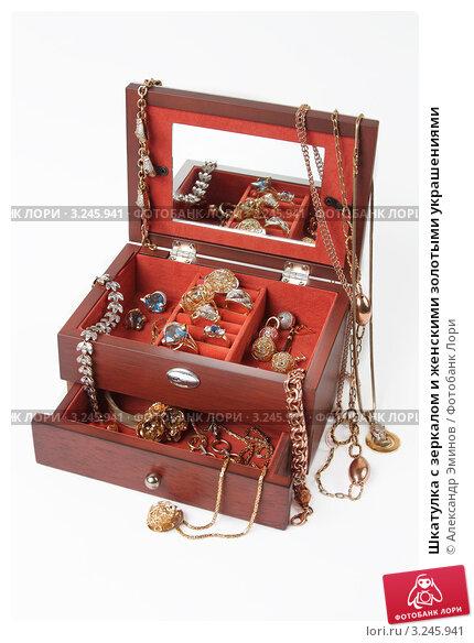 шкатулка с золотыми украшениями фото