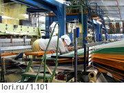Купить «Работа в цеху коврового комбината», фото № 1101, снято 20 июля 2019 г. (c) Александр Михеев / Фотобанк Лори