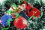 Красный и голубой шары, коробочки с подарками на ели, фото № 8353, снято 3 сентября 2006 г. (c) Ольга Красавина / Фотобанк Лори