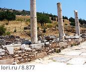 Купить «Античные колонны вдоль дороги (улицы Куретов). Эфес, Турция», фото № 8877, снято 9 июля 2006 г. (c) Маргарита Лир / Фотобанк Лори