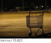 Купить «Одинокая тележка», фото № 15821, снято 30 ноября 2006 г. (c) Ivan I. Karpovich / Фотобанк Лори