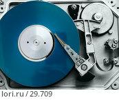 Жесткий диск компьютера, синий. Стоковое фото, фотограф Дмитрий Трубников / Фотобанк Лори