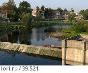 Купить «Псков, коттеджи на берегу», фото № 39521, снято 14 сентября 2006 г. (c) A Челмодеев / Фотобанк Лори