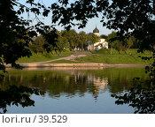 Купить «Псков, церковь на берегу», фото № 39529, снято 16 сентября 2006 г. (c) A Челмодеев / Фотобанк Лори