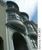 Купить «Эркеры и арка на фоне неба. Сан-Франциско. США», фото № 41961, снято 5 марта 2007 г. (c) Julia Nelson / Фотобанк Лори