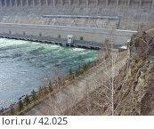 Купить «Братская ГЭС», фото № 42025, снято 14 апреля 2004 г. (c) Саломатов Александр Николаевич / Фотобанк Лори