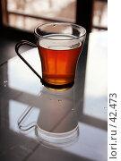 Купить «Утренняя чашка крепкого чая для начала нового дня на столе в офисе или кухне», фото № 42473, снято 26 апреля 2005 г. (c) Harry / Фотобанк Лори