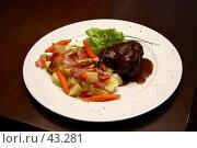 Купить «Блюдо с гарниром и куском баранины», фото № 43281, снято 20 февраля 2005 г. (c) Harry / Фотобанк Лори
