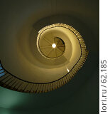 Купить «Спиральная лестница внутри старого маяка», фото № 62185, снято 15 июля 2007 г. (c) Tamara Kulikova / Фотобанк Лори