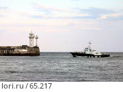 Купить «Ялтинский маяк, лоцман», фото № 65217, снято 4 июля 2020 г. (c) Дмитрий Лукин / Фотобанк Лори