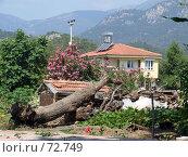 Турция, Текирова, дом у подножия горы (2007 год). Стоковое фото, фотограф Людмила Жукова / Фотобанк Лори