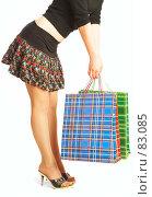 Купить «Девушка с пакетами», фото № 83085, снято 14 мая 2007 г. (c) Андрей Армягов / Фотобанк Лори