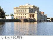 Купить «Дворец культуры моряков. Бывшая товарная биржа.», фото № 86089, снято 6 сентября 2007 г. (c) Parmenov Pavel / Фотобанк Лори