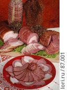Купить «Мясные деликатесы», фото № 87001, снято 18 июля 2004 г. (c) Иван Сазыкин / Фотобанк Лори