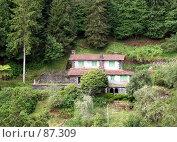 Купить «Домик в горах», эксклюзивное фото № 87309, снято 5 августа 2007 г. (c) Михаил Карташов / Фотобанк Лори