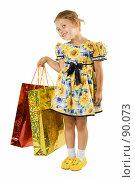 Купить «Девочка с подарками», фото № 90073, снято 16 июля 2007 г. (c) Вадим Пономаренко / Фотобанк Лори