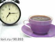 Купить «Чашка с кофе и черный будильник», фото № 90893, снято 27 сентября 2007 г. (c) Останина Екатерина / Фотобанк Лори