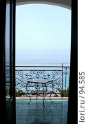 Купить «Вид из окна номера отеля на Средиземное море. Италия. Амальфитанское побережье», фото № 94585, снято 23 мая 2006 г. (c) Татьяна Белова / Фотобанк Лори