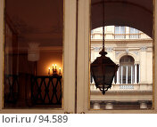 Купить «Отражение в окне  дома», эксклюзивное фото № 94589, снято 24 мая 2006 г. (c) Татьяна Белова / Фотобанк Лори