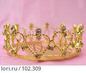 Купить «Золотая свадебная диадема», фото № 102309, снято 7 июля 2020 г. (c) Харитонов Сергей / Фотобанк Лори