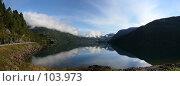Купить «Озеро в Норвегии», фото № 103973, снято 22 апреля 2018 г. (c) Наталья Белотелова / Фотобанк Лори