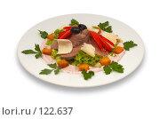 Купить «Салат из телятины с овощами и пармезаном», фото № 122637, снято 23 октября 2006 г. (c) Сергей Старуш / Фотобанк Лори