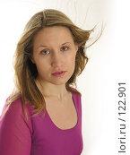 Купить «Девушка с развевающимися волосами», фото № 122901, снято 13 ноября 2005 г. (c) Losevsky Pavel / Фотобанк Лори