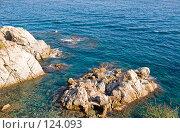 Купить «Испания, Ллорет де Мар, морской пейзаж со скалами», фото № 124093, снято 23 августа 2007 г. (c) Александр Соболев / Фотобанк Лори