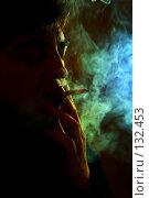 Купить «Курильшик. Smoker», фото № 132453, снято 21 октября 2005 г. (c) Морозова Татьяна / Фотобанк Лори