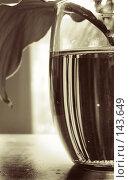 Купить «Жизнь в стакане бывает разной», фото № 143649, снято 15 октября 2018 г. (c) Светлана Кучинская / Фотобанк Лори