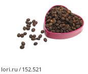 Купить «Зерна кофе на розовом сердце», фото № 152521, снято 18 декабря 2007 г. (c) Иван / Фотобанк Лори