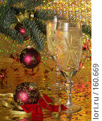 Купить «Новогодняя открытка с шампанским, елкой и шарами», фото № 160669, снято 26 декабря 2007 г. (c) Мельников Дмитрий / Фотобанк Лори