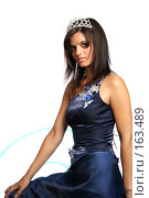 Купить «Девушка в синем выпускном платье с диадемой», фото № 163489, снято 26 июля 2007 г. (c) Александр Паррус / Фотобанк Лори