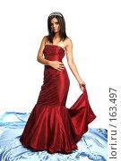 Купить «Девушка в красном выпускном платье с диадемой, на белом фоне», фото № 163497, снято 26 июля 2007 г. (c) Александр Паррус / Фотобанк Лори
