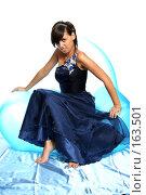 Купить «Девушка в синем выпускном платье, на надувном кресле», фото № 163501, снято 26 июля 2007 г. (c) Александр Паррус / Фотобанк Лори