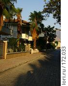 Купить «Вид улицы Кемера, Турция», фото № 172033, снято 10 августа 2007 г. (c) Суханова Елена (Елена Счастливая) / Фотобанк Лори