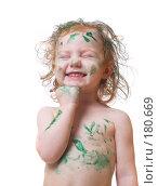 Купить «Девочка, испачкавшаяся в зеленой краске, на белом фоне», фото № 180669, снято 17 января 2008 г. (c) Майя Крученкова / Фотобанк Лори