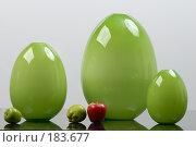 Три зеленые вазы необычной формы. Стоковое фото, фотограф BART / Фотобанк Лори