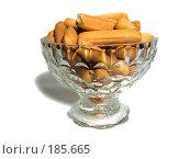 Купить «Ваза с сушеными палочками», фото № 185665, снято 24 января 2008 г. (c) Костя Суханов / Фотобанк Лори