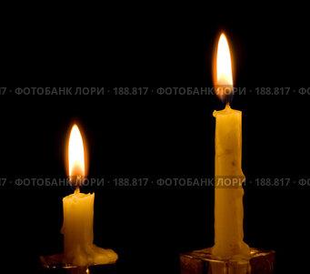 Купить «Большая и маленькая свеча», фото № 188817, снято 20 декабря 2007 г. (c) Ольга Хорькова / Фотобанк Лори