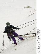 Купить «Спуск со страховкой по снежному склону», фото № 197193, снято 2 февраля 2008 г. (c) Малышева Мария / Фотобанк Лори