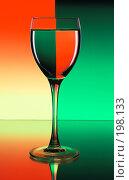 Купить «Бокал вина», фото № 198133, снято 25 марта 2019 г. (c) Михаил Котов / Фотобанк Лори