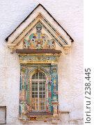 Купить «Истра. Декор окна восточного фасада Воскресенского собора Ново-Иерусалимского монастыря», фото № 238445, снято 29 марта 2008 г. (c) Julia Nelson / Фотобанк Лори