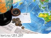 Купить «Натюрморт с картами, глобусом, компасом, деньгами и чековой книжкой в евро», фото № 251297, снято 22 сентября 2018 г. (c) Harry / Фотобанк Лори