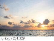Купить «Закат», фото № 251329, снято 3 февраля 2008 г. (c) Коваленко Ирина / Фотобанк Лори