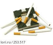 Купить «Сигареты с фильтром на белом фоне с пепельницой», фото № 253517, снято 16 апреля 2008 г. (c) Коннов Леонид Петрович / Фотобанк Лори