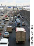 Затруднено движение на МКАД в районе Северное Измайлово (2008 год). Редакционное фото, фотограф Алексеенков Евгений / Фотобанк Лори