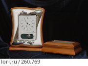 Купить «Часы. Декоративные изделия из серебра», фото № 260769, снято 16 марта 2005 г. (c) Виктор Филиппович Погонцев / Фотобанк Лори